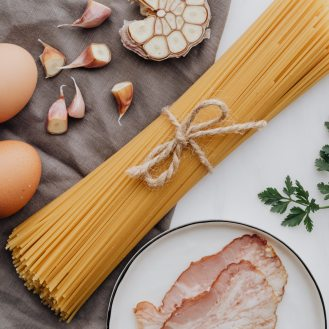 photo-of-bacon-beside-pasta-4038788