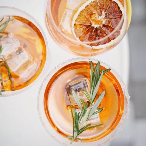 sliced-orange-fruit-in-clear-drinking-glass-3323682