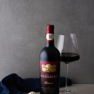Roodeberg Reserve with sesame seed truffles LR